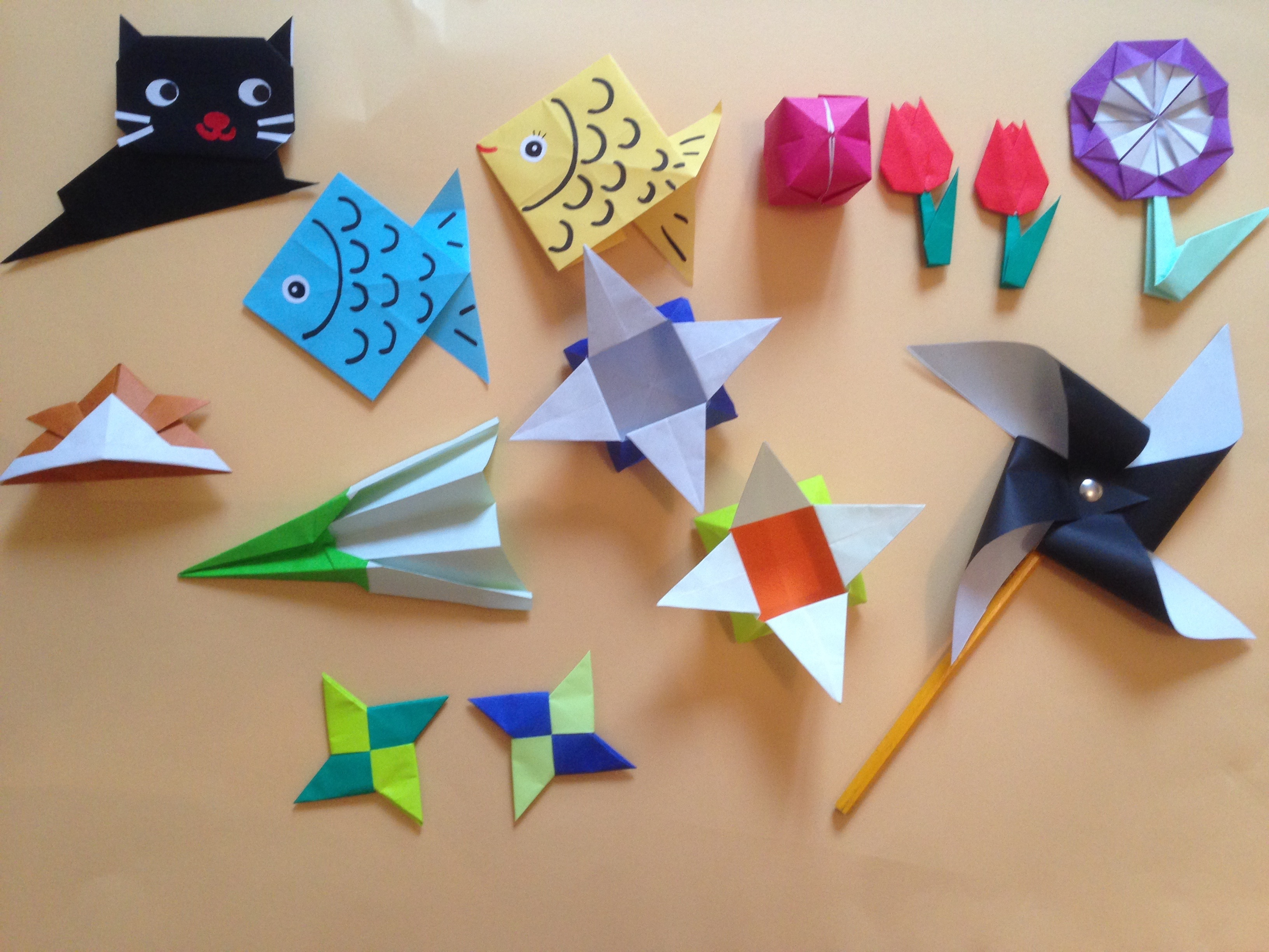 Learn to make japanese origami learn japanese in cheshire for Things to make with paper